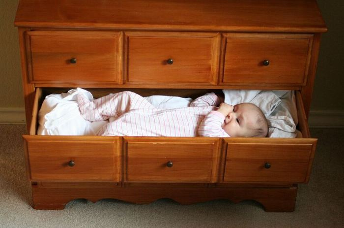 baby-in-drawer